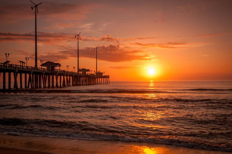 Sunrise sunsets jennette 39 s pier at sunrise for Jennette s fishing pier